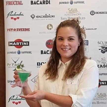Lara Podlesnik odlično na državnem prvenstvu, aperitivni koktajl, Bled